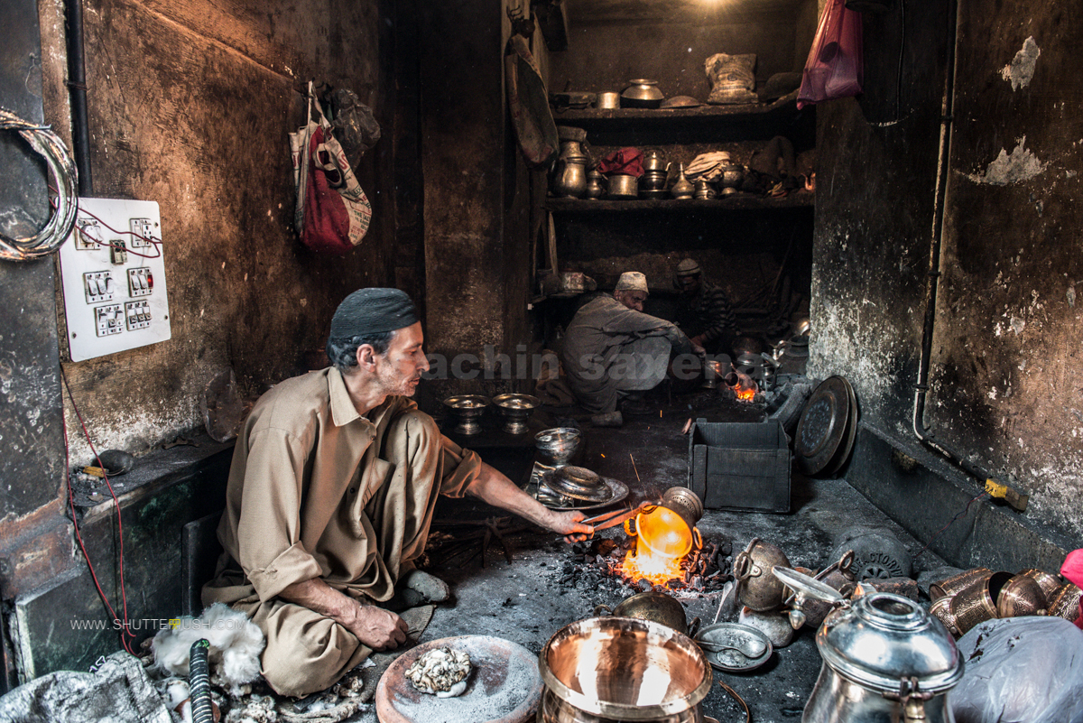 kashmir old city srnagar market artisans